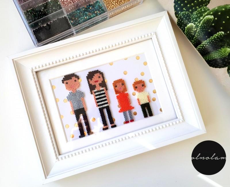 Rodinný portrét rozbitý na pixely