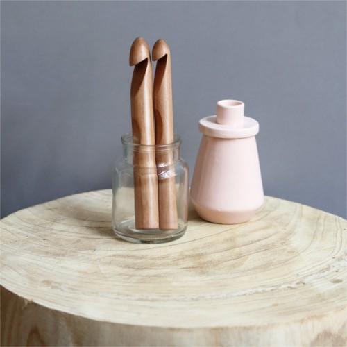 háčik veľký drevený 15-25 mm